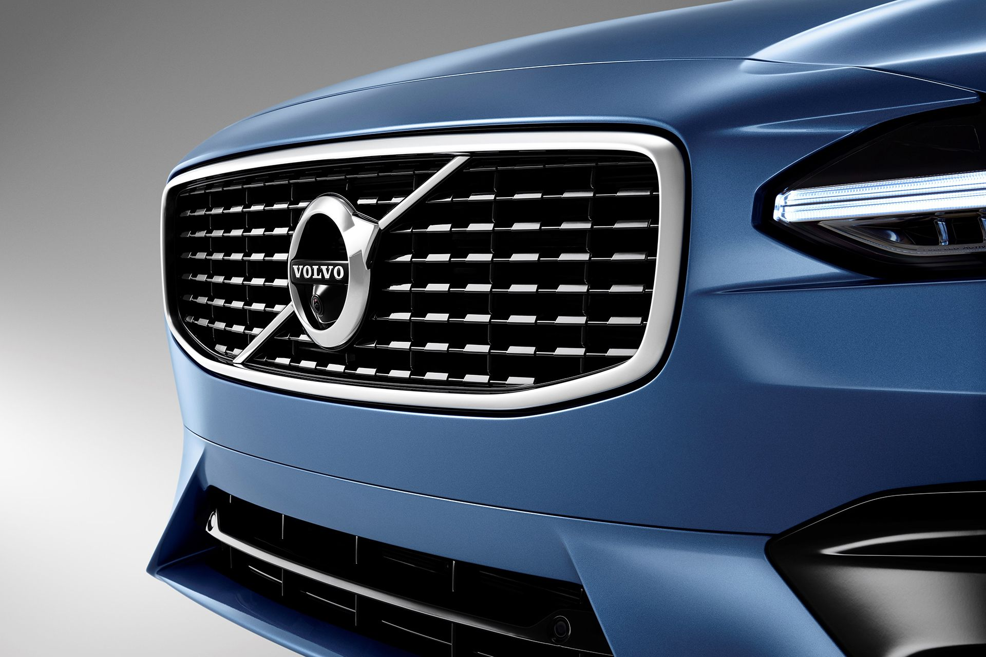 volvo taking on bmw with self
