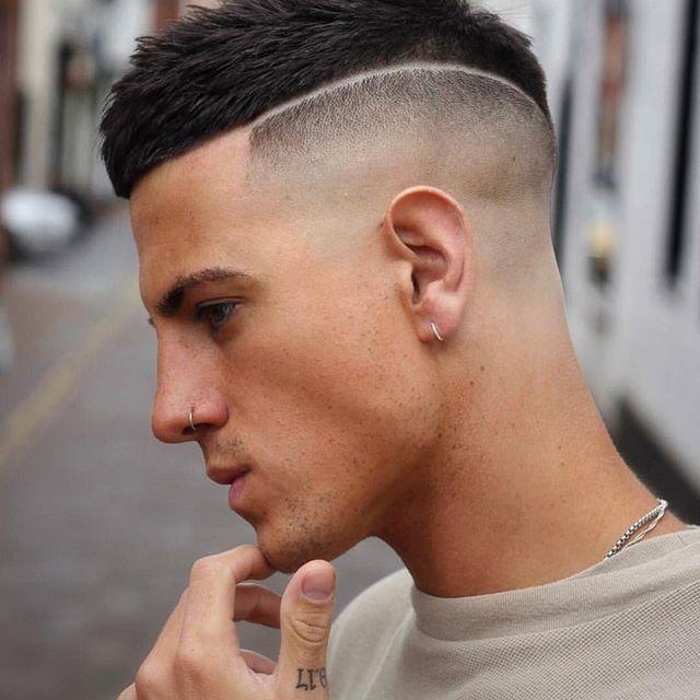 Wir wissen, Frisur Liebhaber suchen neue Männer Frisuren zu versuchen dieses Jahr.  Und wir haben einige große Sammlungsoptionen für Ihren nächsten Besuch in der Friseurladen. Dies ist eine wunderbare Sammlung von 200 der beliebtesten Haarschnitte für Männer, wie wir ins Jahr 2019.     Wir haben nur 27 coole moderne Haarsch... #Beste #Frisur #Frisuren #Hair #hairstyle #hairstyle hombres #Männer #Neue #pelo color #pelo corto hombre #pelo corto mujer #pelo largo hombre #pelo rojo #pelo rubio