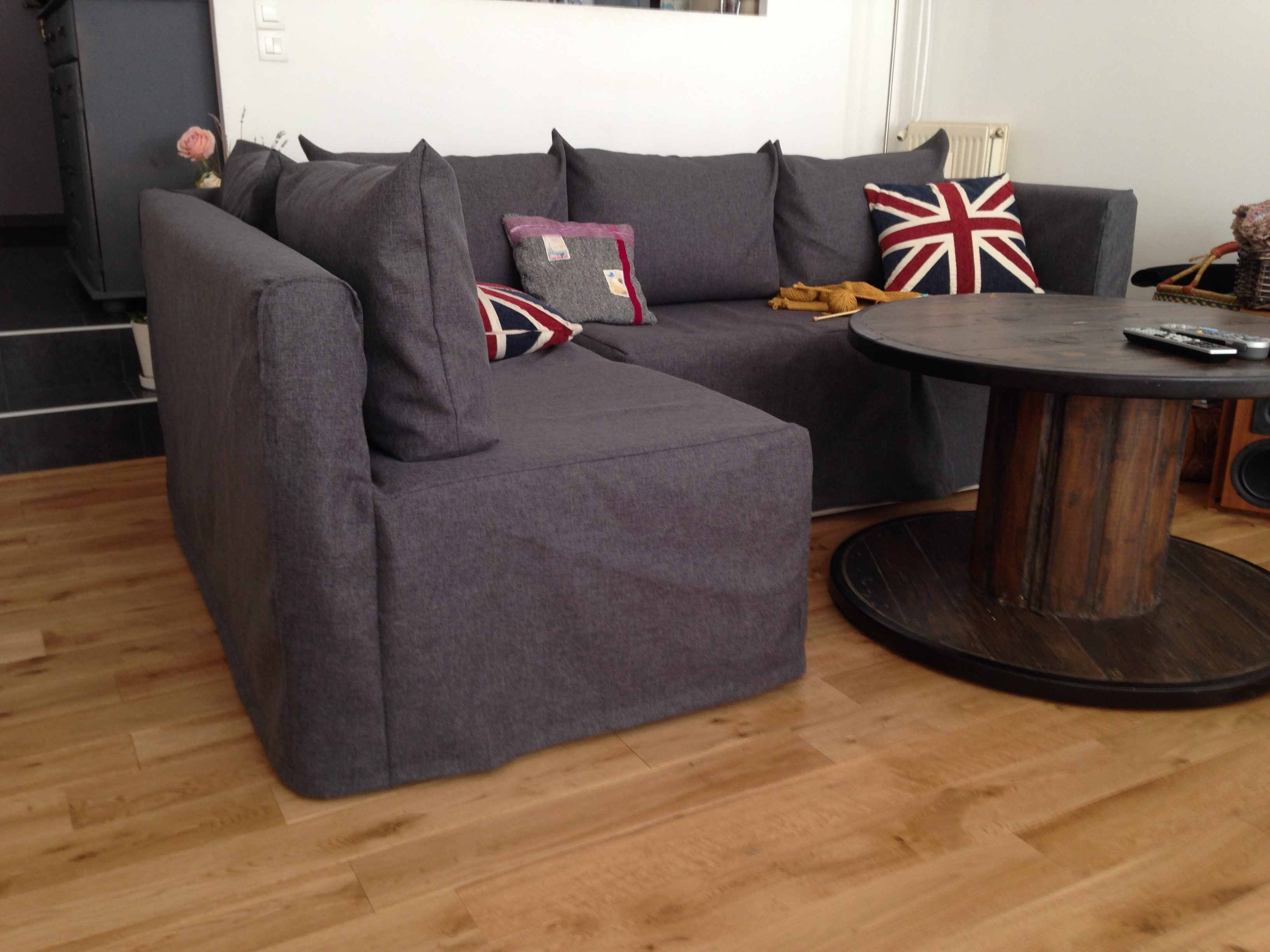Une Housse Sur Mesure Pour Notre Canape D Angle Ikea Il Y A Des