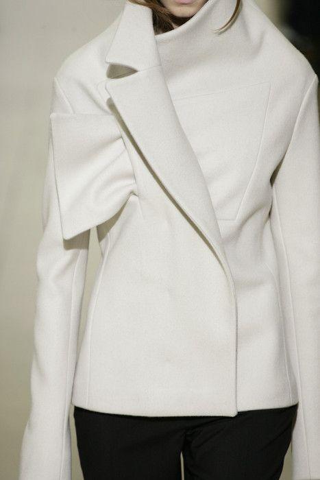 Pin By Anita Maria On En Vogue Fashion Glamorous Chic Life Futuristic Fashion