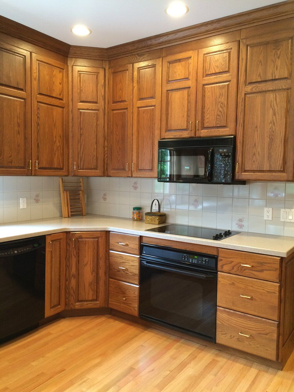How To Make An Oak Kitchen Cool Again Copper Corners In 2020 Oak Kitchen Cabinets Oak Kitchen Modern Oak Kitchen