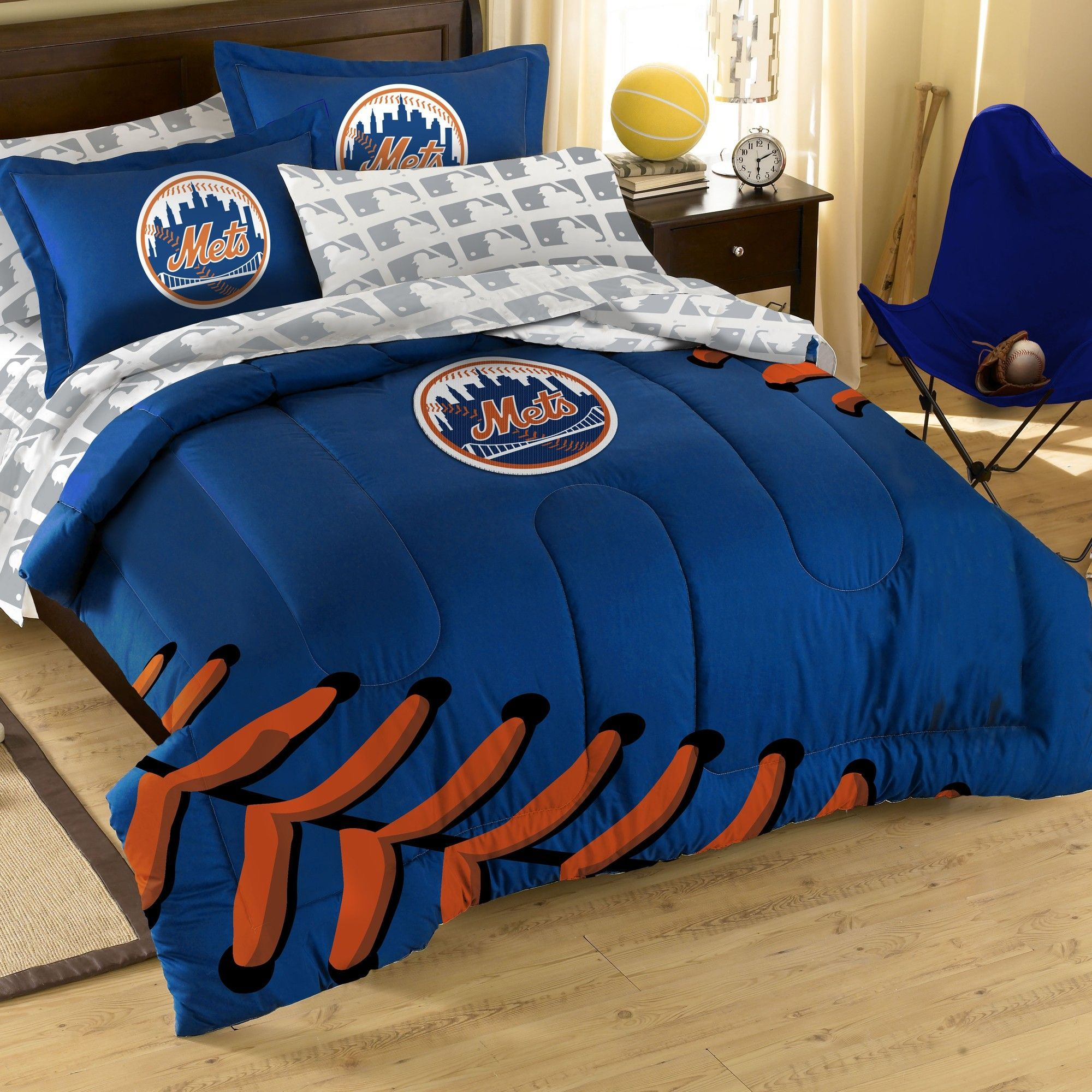 MLB New York Mets Embroirdered Full Comforter Set. MLB New York Mets Embroirdered Full Comforter Set   Products