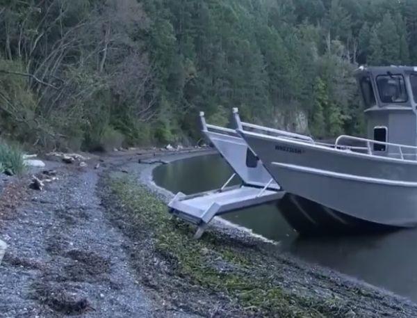 En #video una curiosa embarcación  Vehículos barcos curiosidades inventos