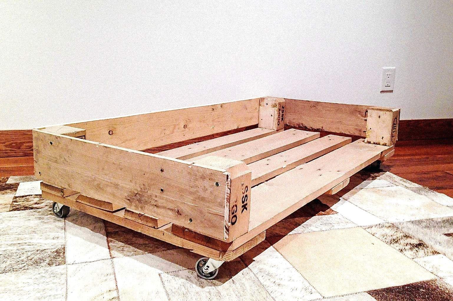 10 Diy Recycled Wood Pallet Dog Bed New Designs Pallet Dog Beds