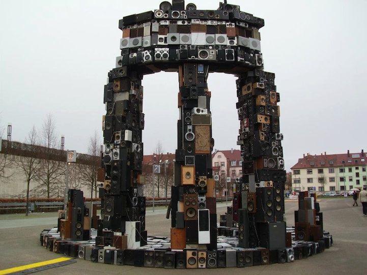 Gigantic Recycled Speaker Sculptures Boom Sound - My Modern Metropolis