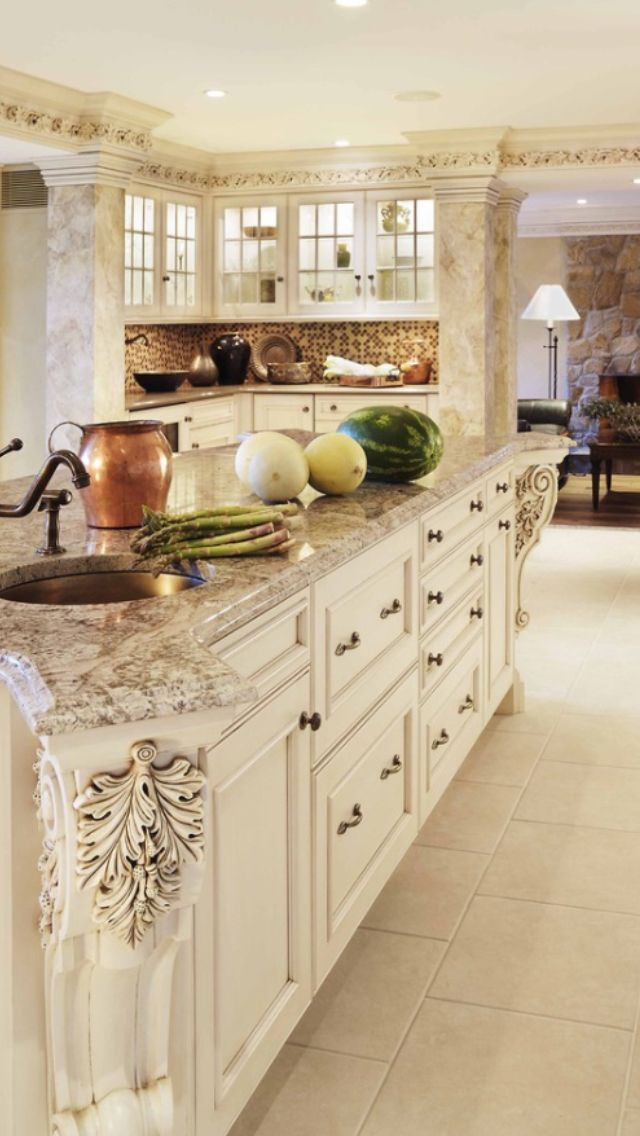 Beautiful spacious kitchen
