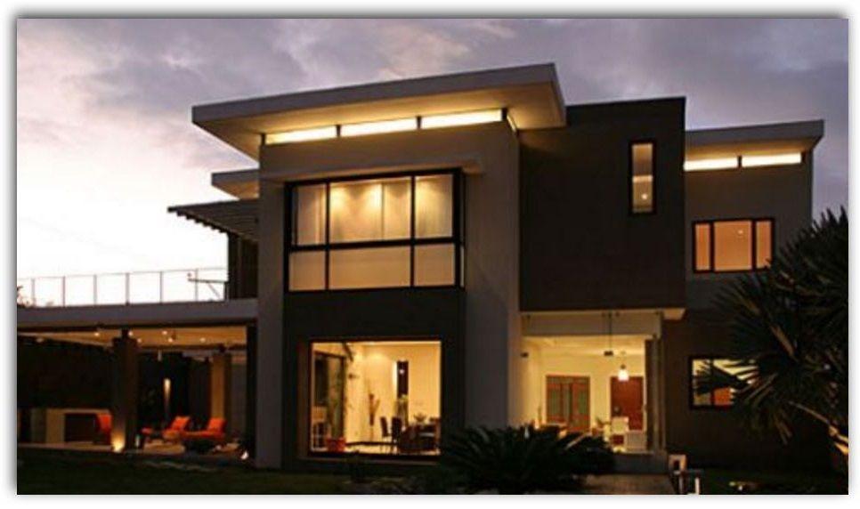 Fachada de casa con grandes ventanas fachadas for Casas modernas y grandes