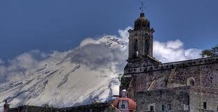 Puebla. Atlixco, Vista del volcán Popocatépetl