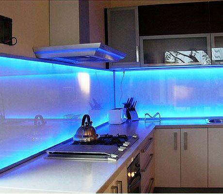 A Kitchen Backsplash That Glows Modern Kitchen Backsplash