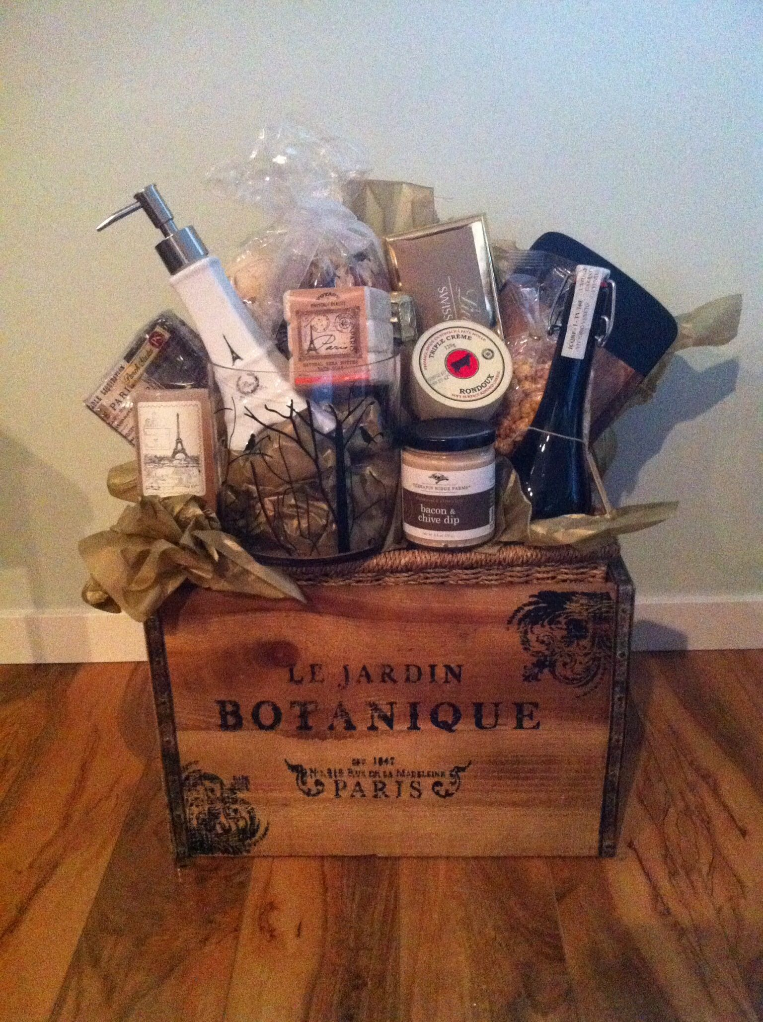 Gift basket - Paris and vintage theme | Gift baskets | Pinterest ...