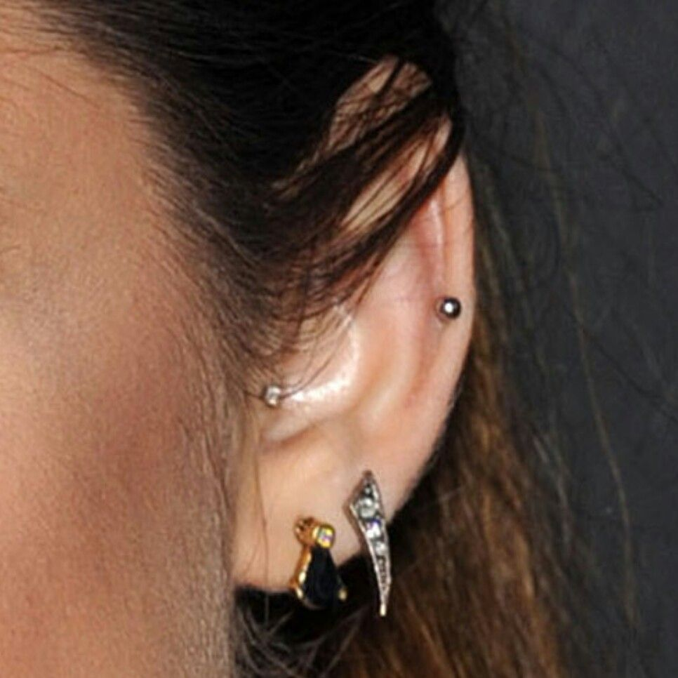 Elegant nose piercing  Pin by Cecilia Theron on a new look  Pinterest