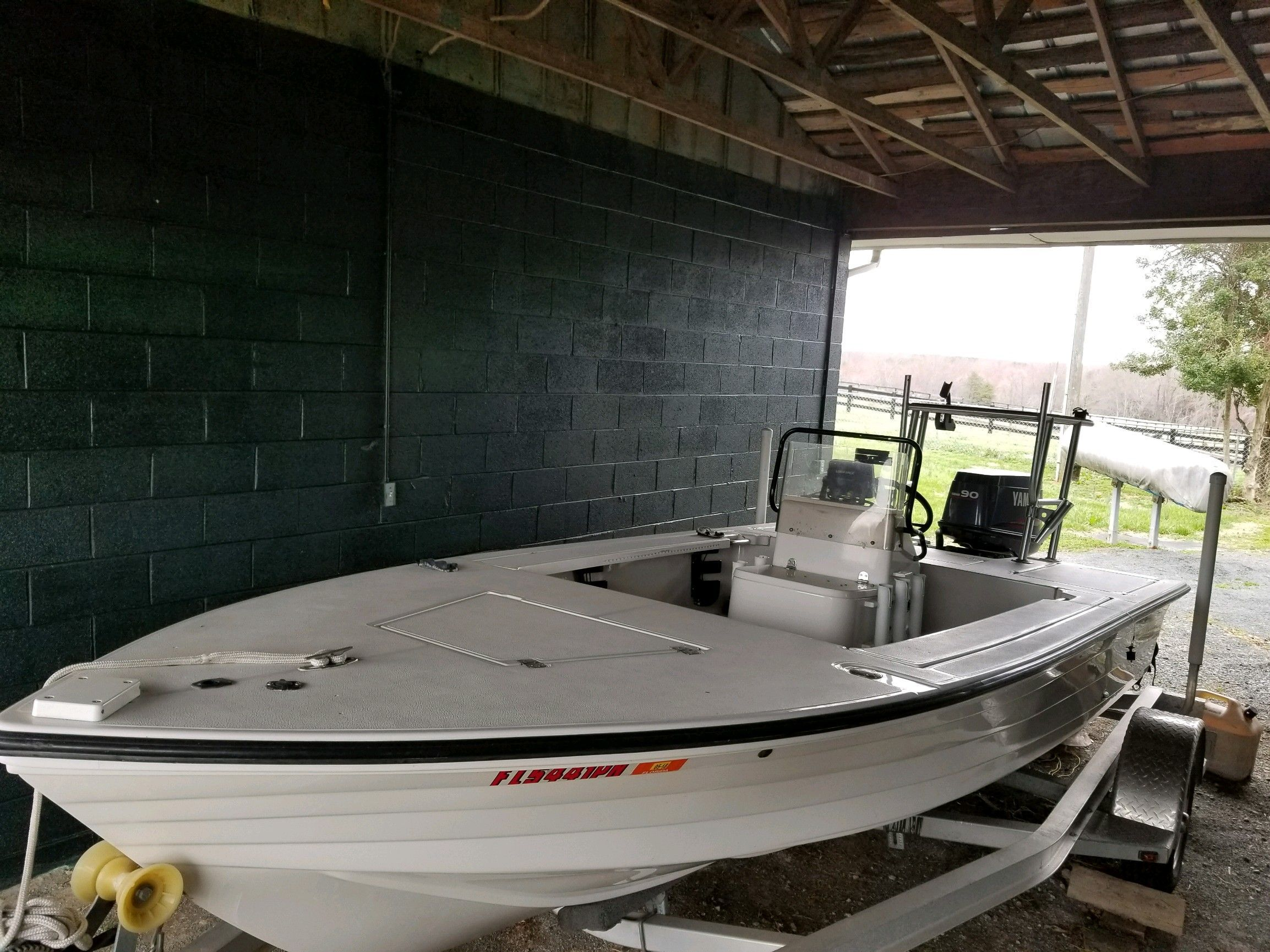 New To The Market Is This Beautiful Well Kept 1998 Hewes Bayfisher 16 In Flats Boat Fishing Hewes Means Quality If Tilt Trailer Flats Boat Boats For Sale