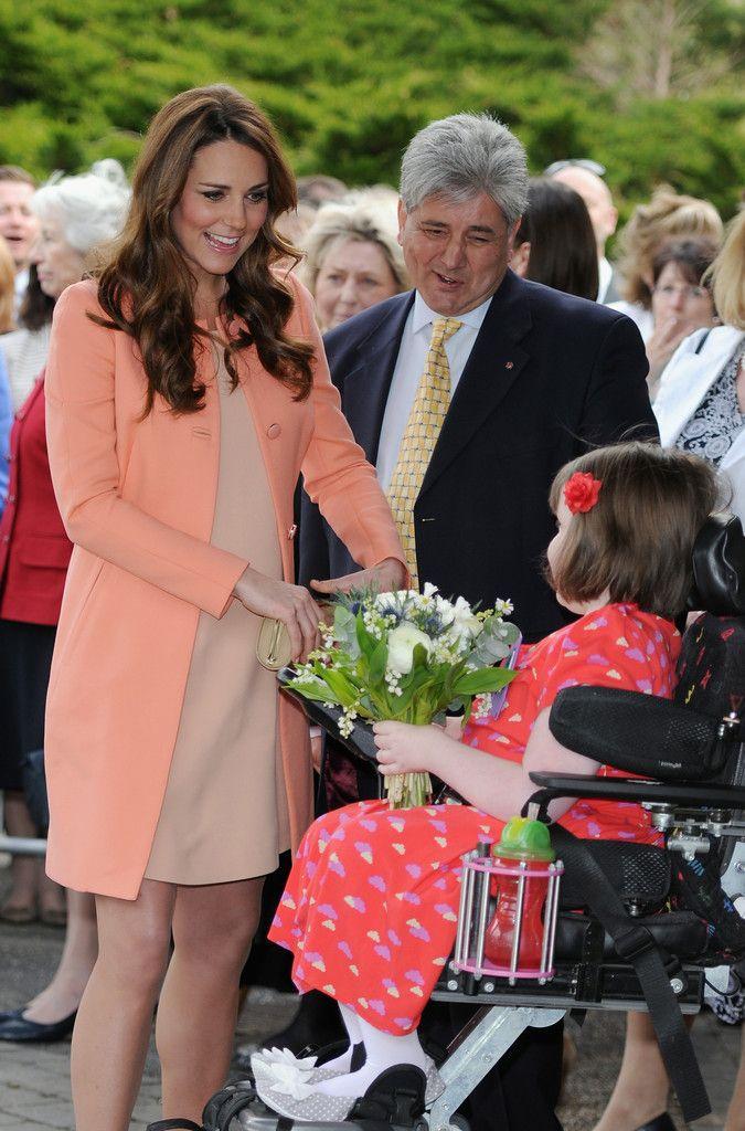 Kate Middleton Photo - The Duchess Of Cambridge Visits Naomi House