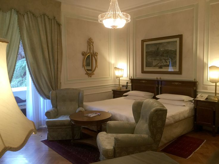 Rome Beating The Crowds With Images Hotel Services Hotel At