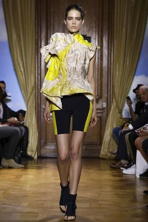 Viktor&Rolf Ready To Wear Spring Summer 2015 Paris - NOWFASHION