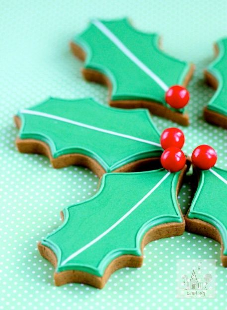 Holly Decorated Cookies The Tomkat Studio S Holiday Gift Guide