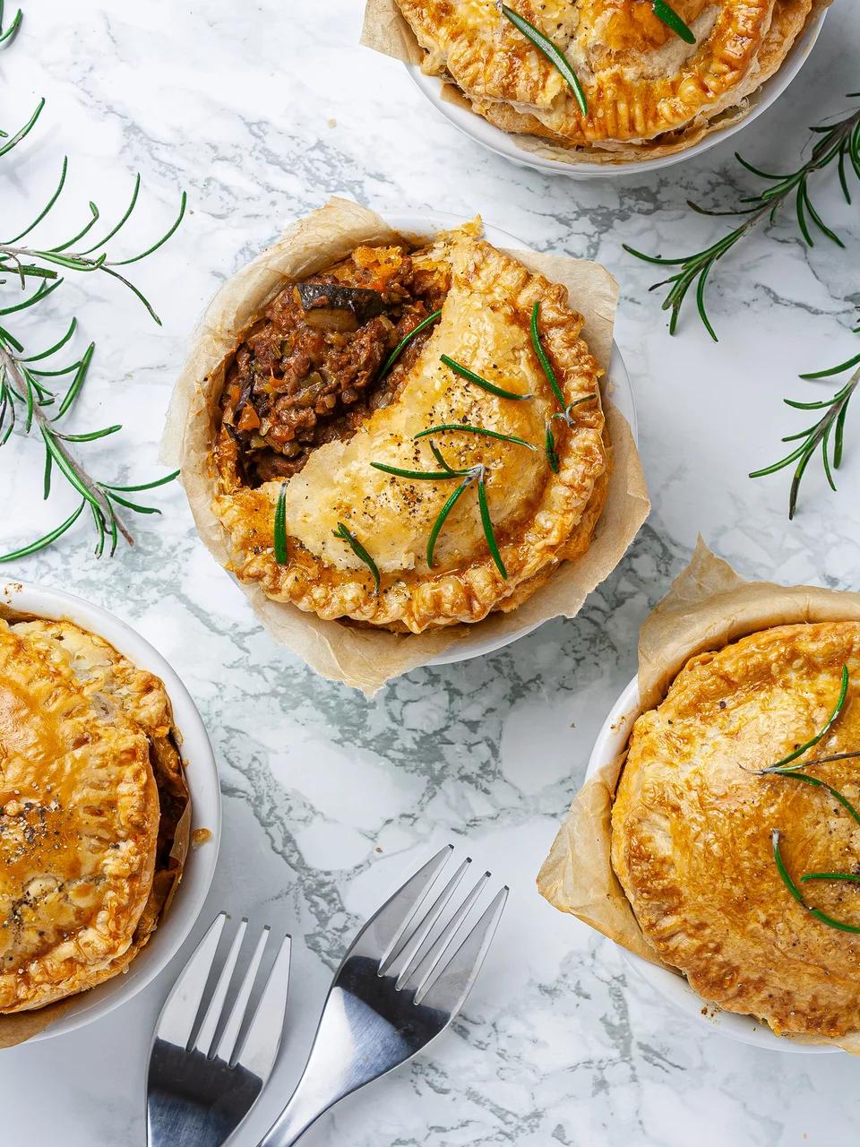 Minced Lamb Pie Recipe Recipe In 2020 Lamb Pie Lamb Pie Recipes Lamb Mince Recipes