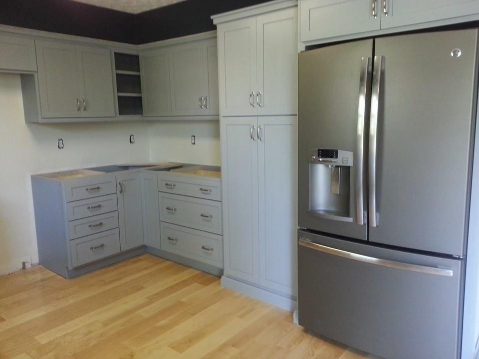 Right (fridge) side/corner (Missing half of upper corner ...