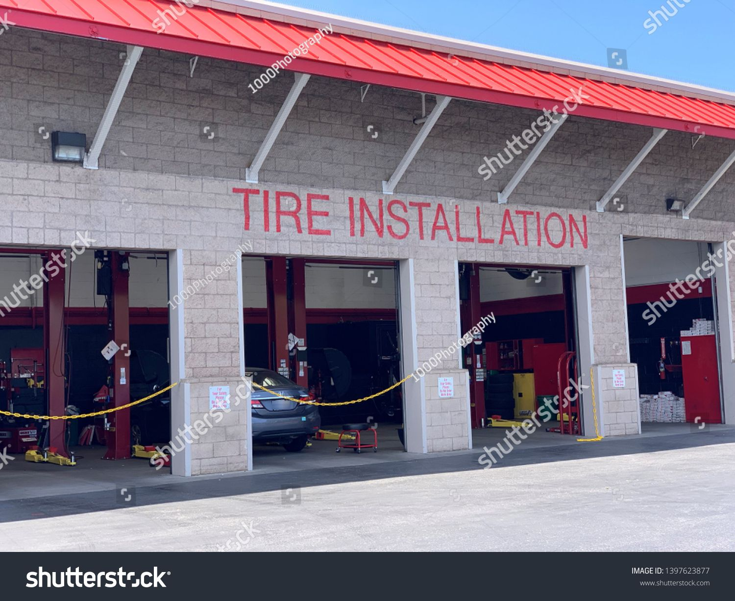 Mountain View Ca Usa May 5 2019 Tire Installation Center At A Costco Wholesale Store In Silicon Valley Sponsored Mountain View Stock Photos Ca Usa