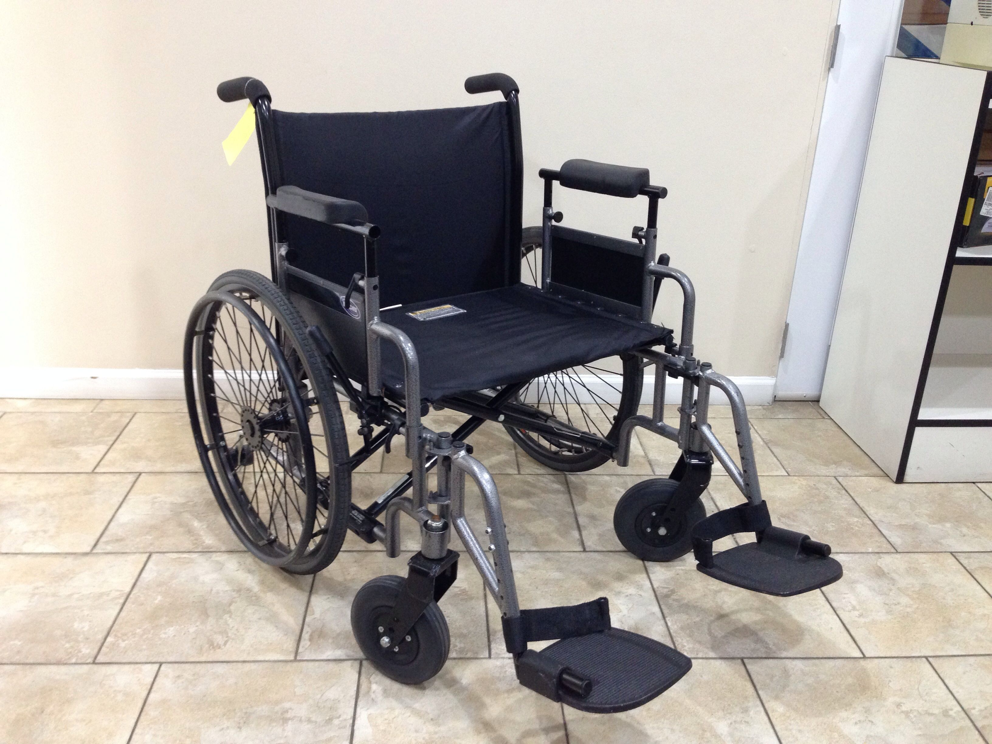Invacare 9000 topaz heavy duty manual wheelchair used
