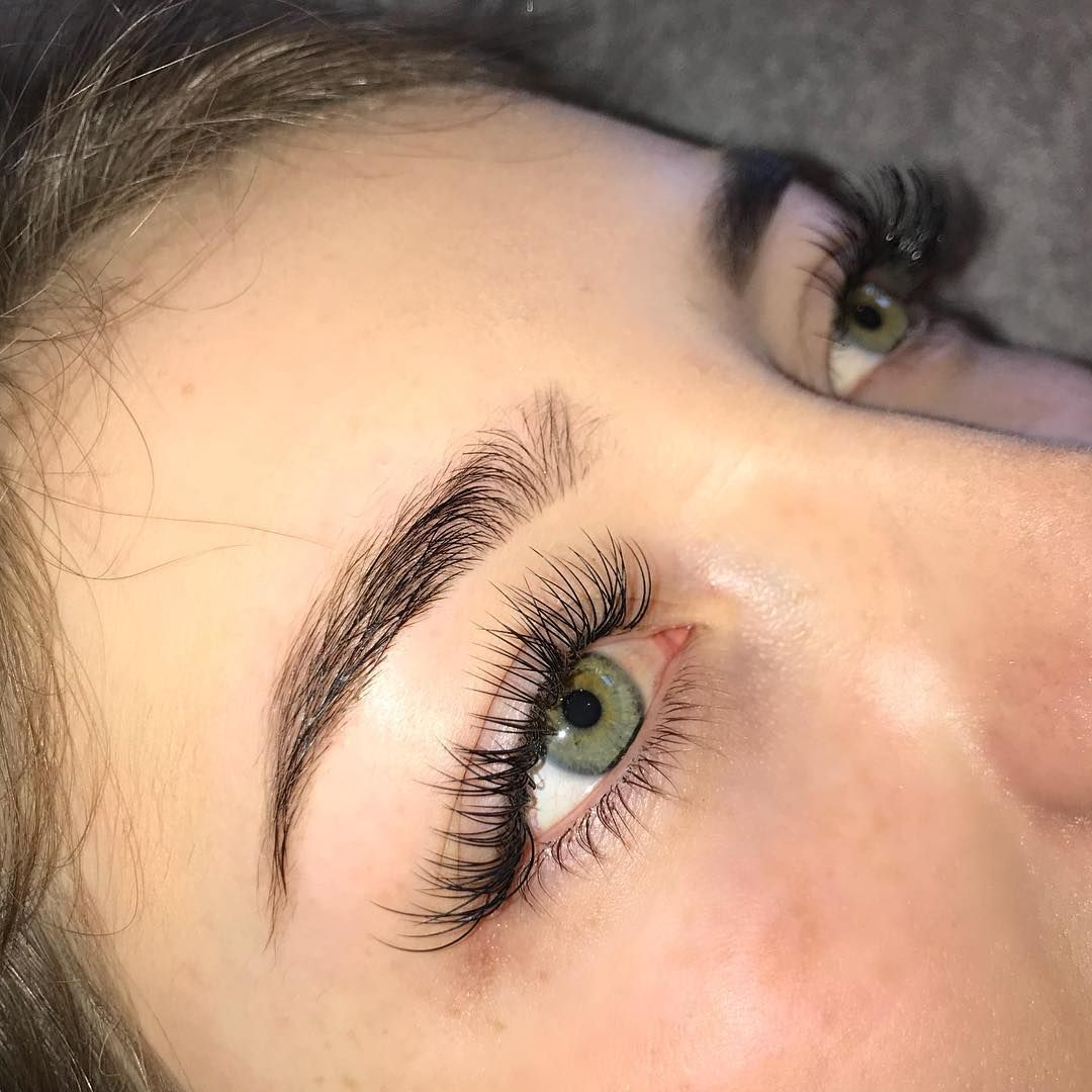 Can You Get Eyelash Extensions Wet In The Shower Super Long Lashes For The Gorgeous Katie Matthewss Using A Mixture Of 13 15mm Lashes Lashextensions Beforeandafterlashextensions E Pestanas Maquillaje