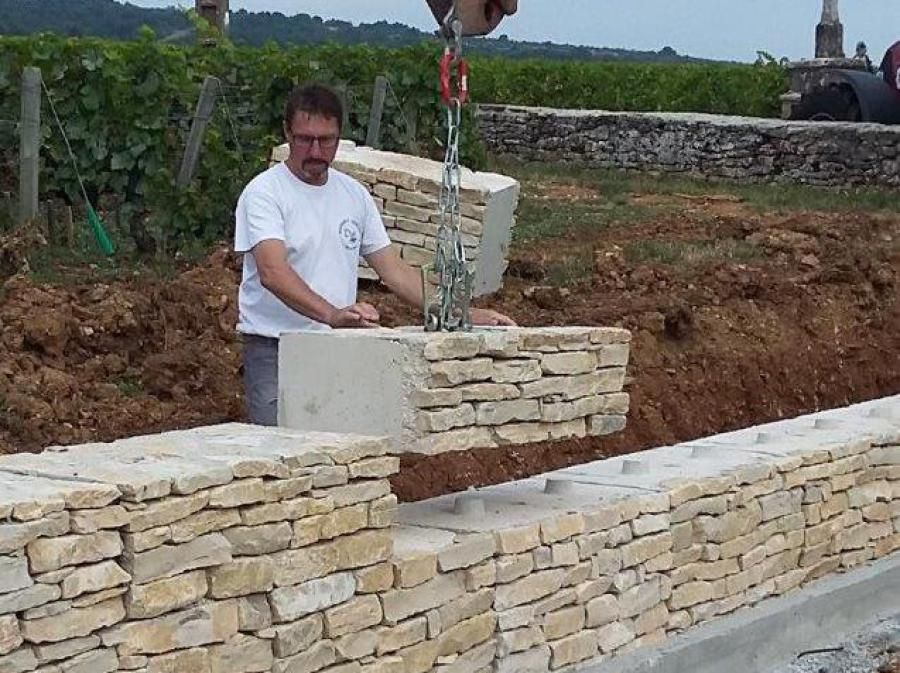 mur en pierre ecomuret cloture brise vue en 2018 pinterest mur en pierre construire et. Black Bedroom Furniture Sets. Home Design Ideas