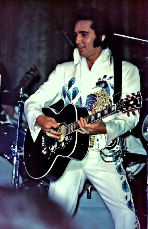 Peacock Jumpsuit (1974) Elvis Presley Pinterest