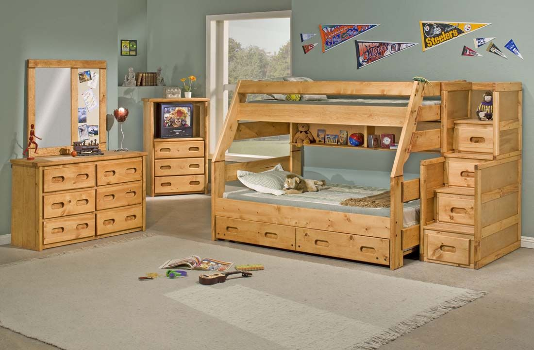 Darker Wood And Western Decor Bunk Beds Twin Full Bunk