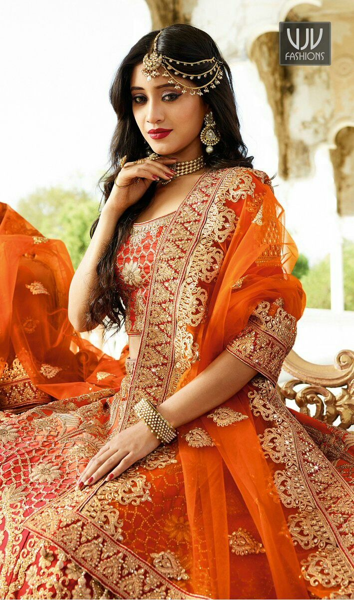 Dresses to wear at a wedding  Pin by Nilze Ferreira on Indianas  Pinterest  Bridal dresses