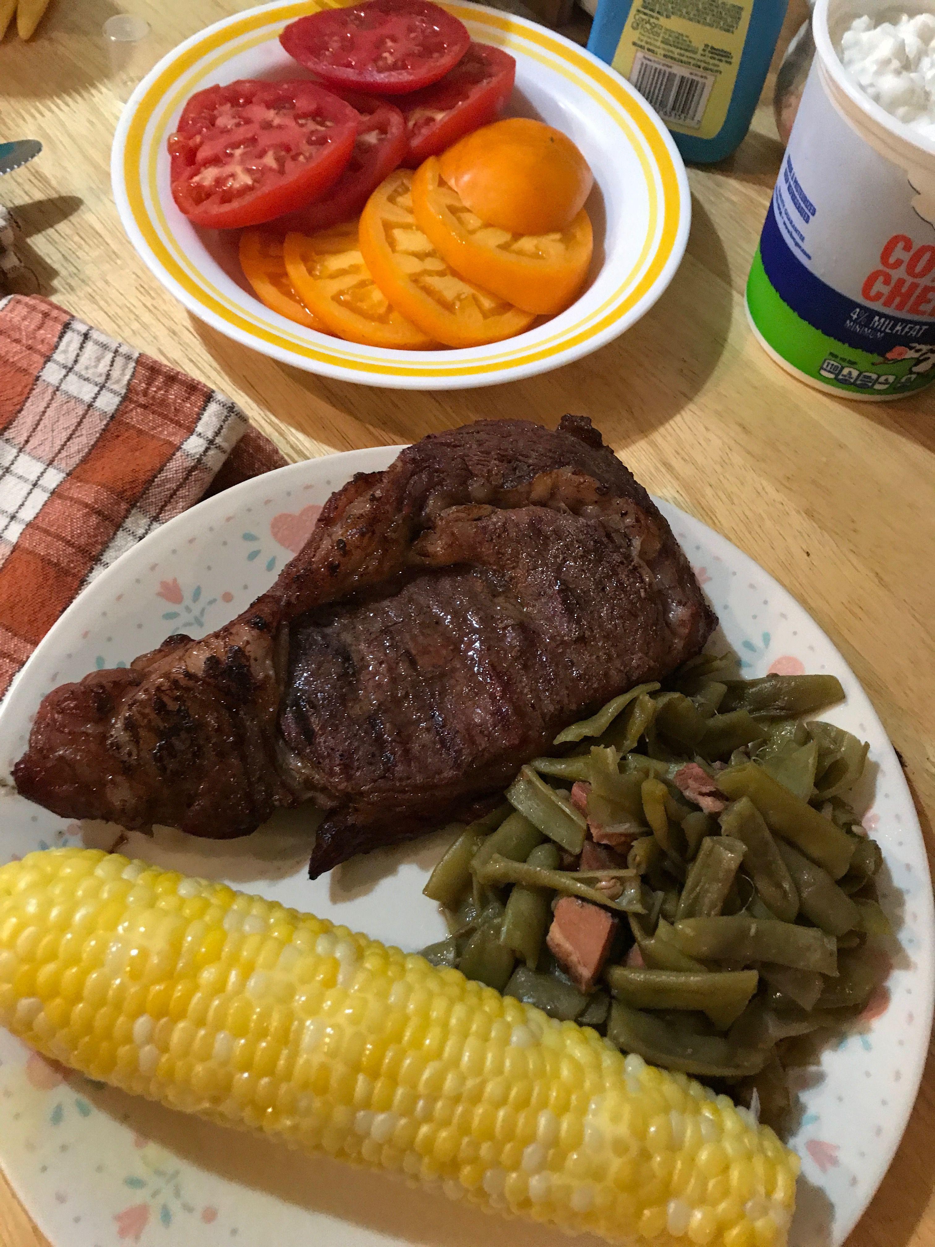Garden fresh tomatoes & sweet corn & green beans with steak Indiana ...