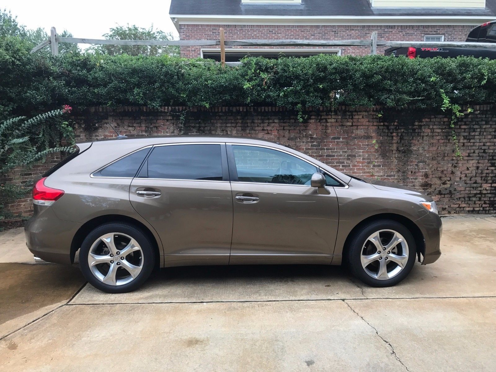 Cool Awesome 2011 Toyota Venza Base Sport Utility 4 Door 2011 Toyota