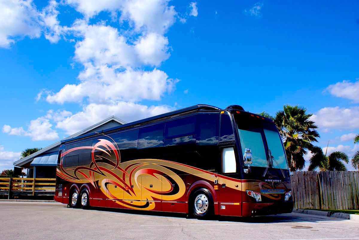 New Prevost Tour Coach Luxury Campers Motor Motorhomes