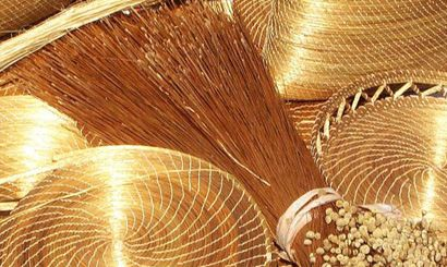 Artes de Paredes https://tradicoes.wordpress.com/2015/02/11/paredes-oficios-e-gastronomia-tradicionais/