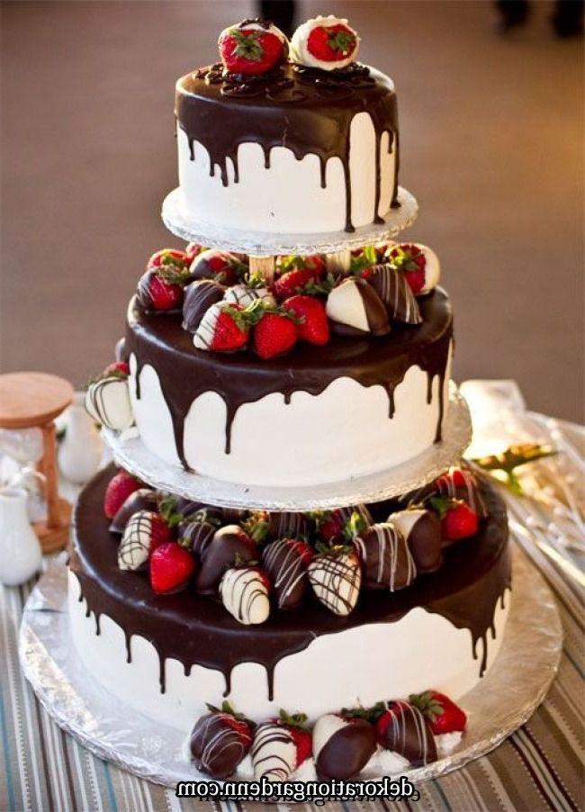 2020 Wedding Cake Trends 25 Drip Wedding Cakes In 2020 Strawberry Wedding Cakes Cake Savoury Cake