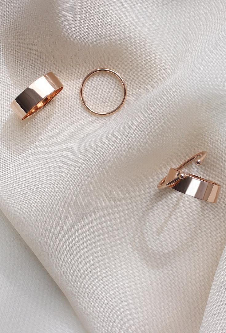 Shining bright with our 14k solid rose gold rings. | Vrai & Oro