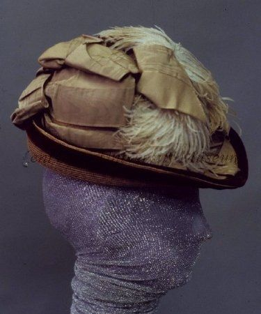 24-10-11  Hat 1869, American, Made of straw and velvet