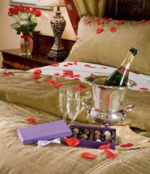 Valentine romantic idea romantic dinners romantic night - Romantic decorations for hotel rooms ...