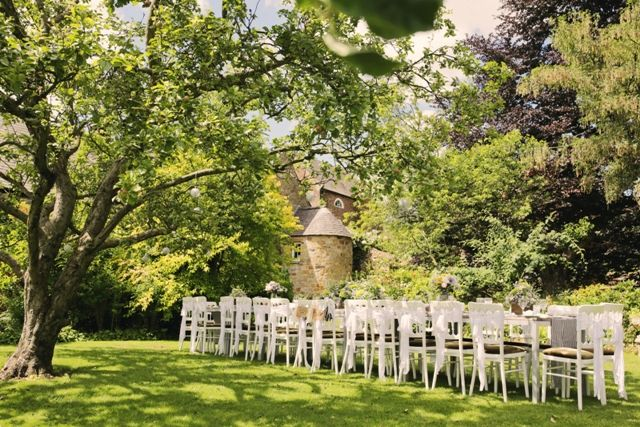 Al fresco wedding, crook hall and garden, helen russell photography ...