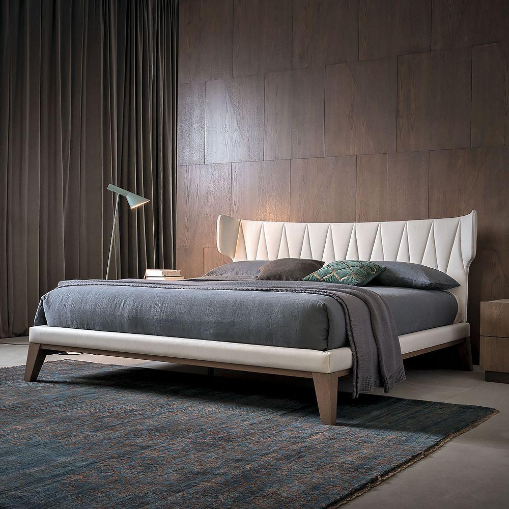 J & M Maia Wenge Premium Queen Platform Bed with Headboard