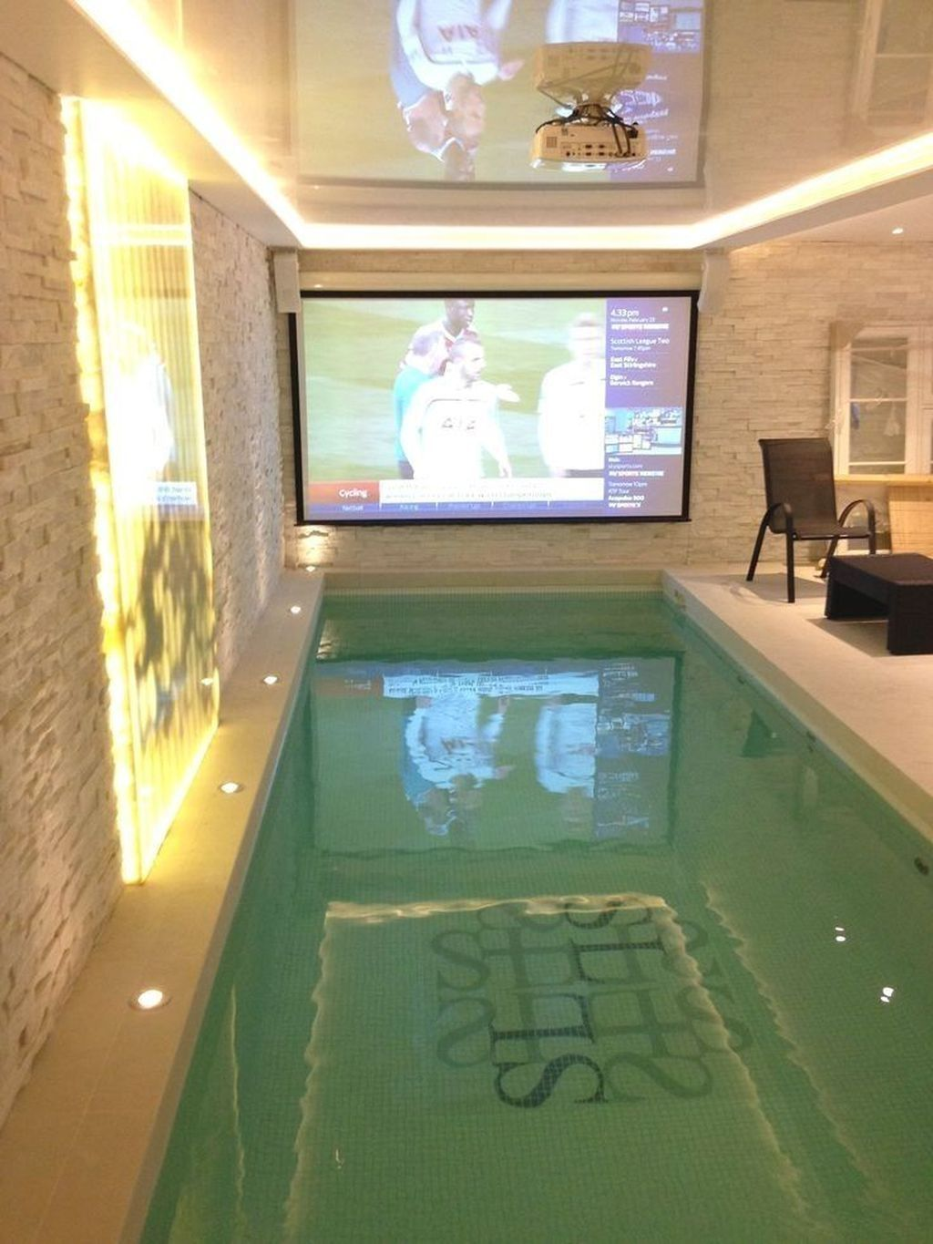 30+ Catchy Small Indoor Swimming Pool Design Ideas