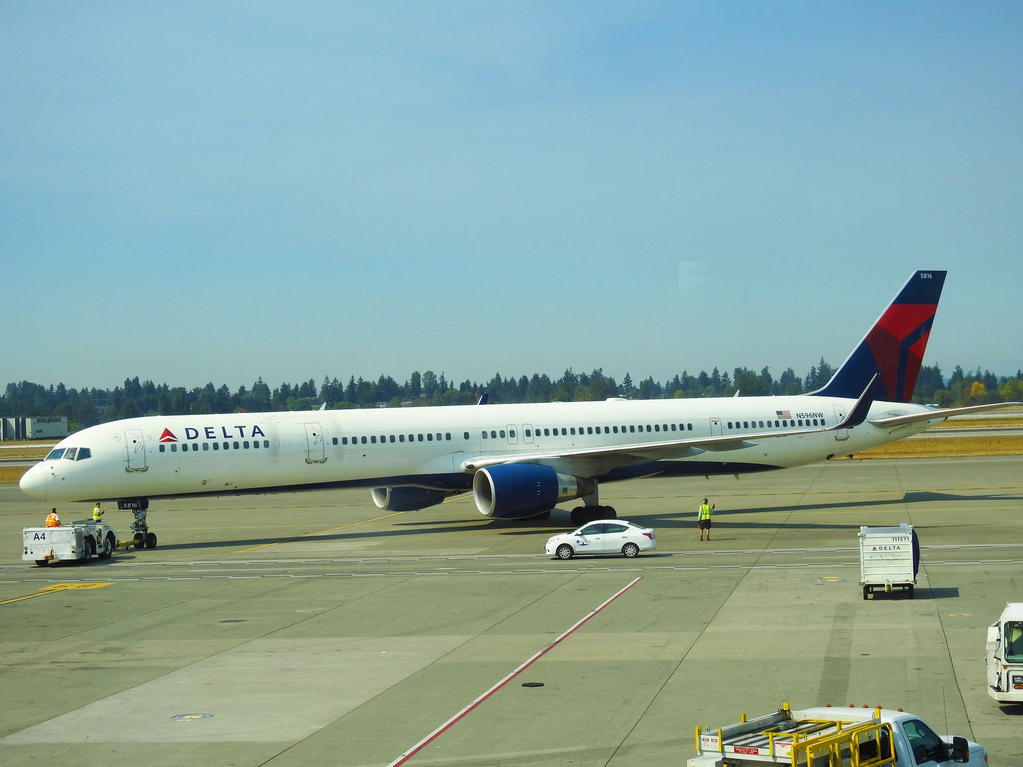 Delta Air Lines Boeing 757351 N596NW Seattle