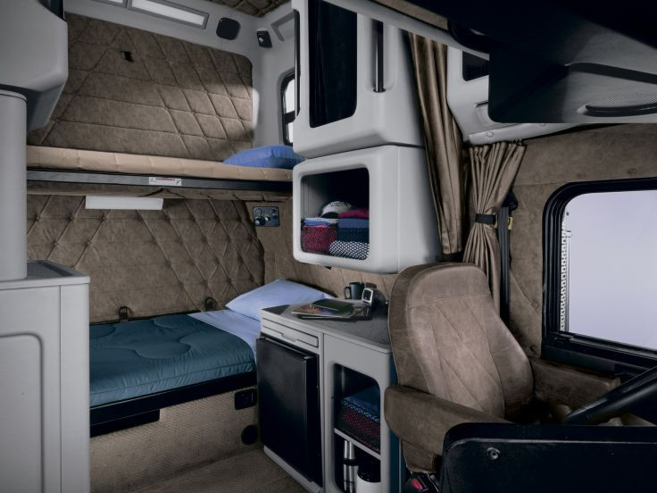 1991 freightliner classic semi tractor interior f wallpaper background ccs interior pinterest for Volvo semi truck interior accessories