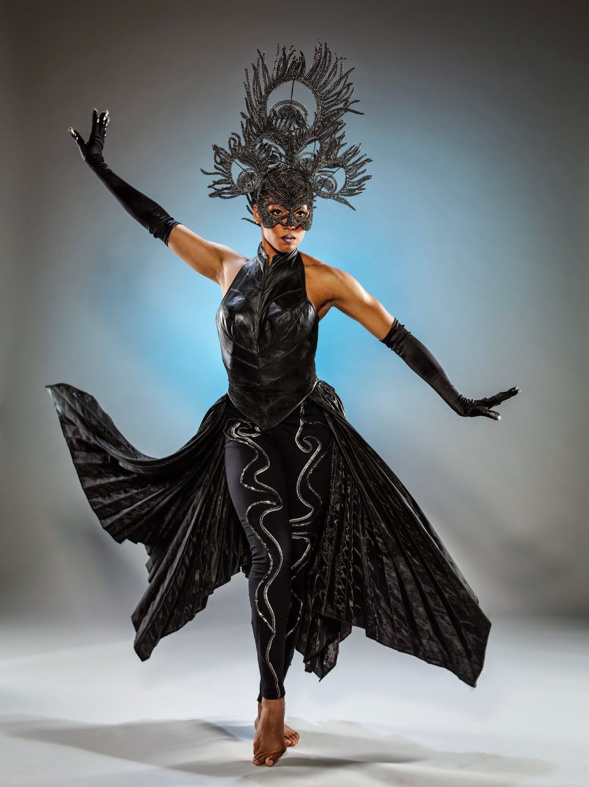 The Blonde Blogger Cirque Du Soleils Amaluna At The National Harbor Review A Cirque Du Soleil Circus Costume Costume Design