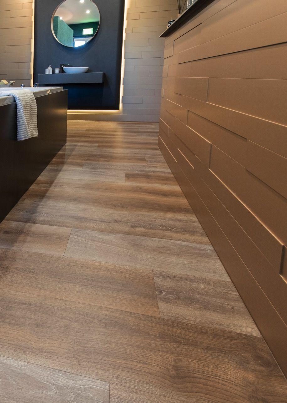 Badezimmer Mit Goldenen 3d Paneelen Haus Boden Boden Schlafzimmer Design