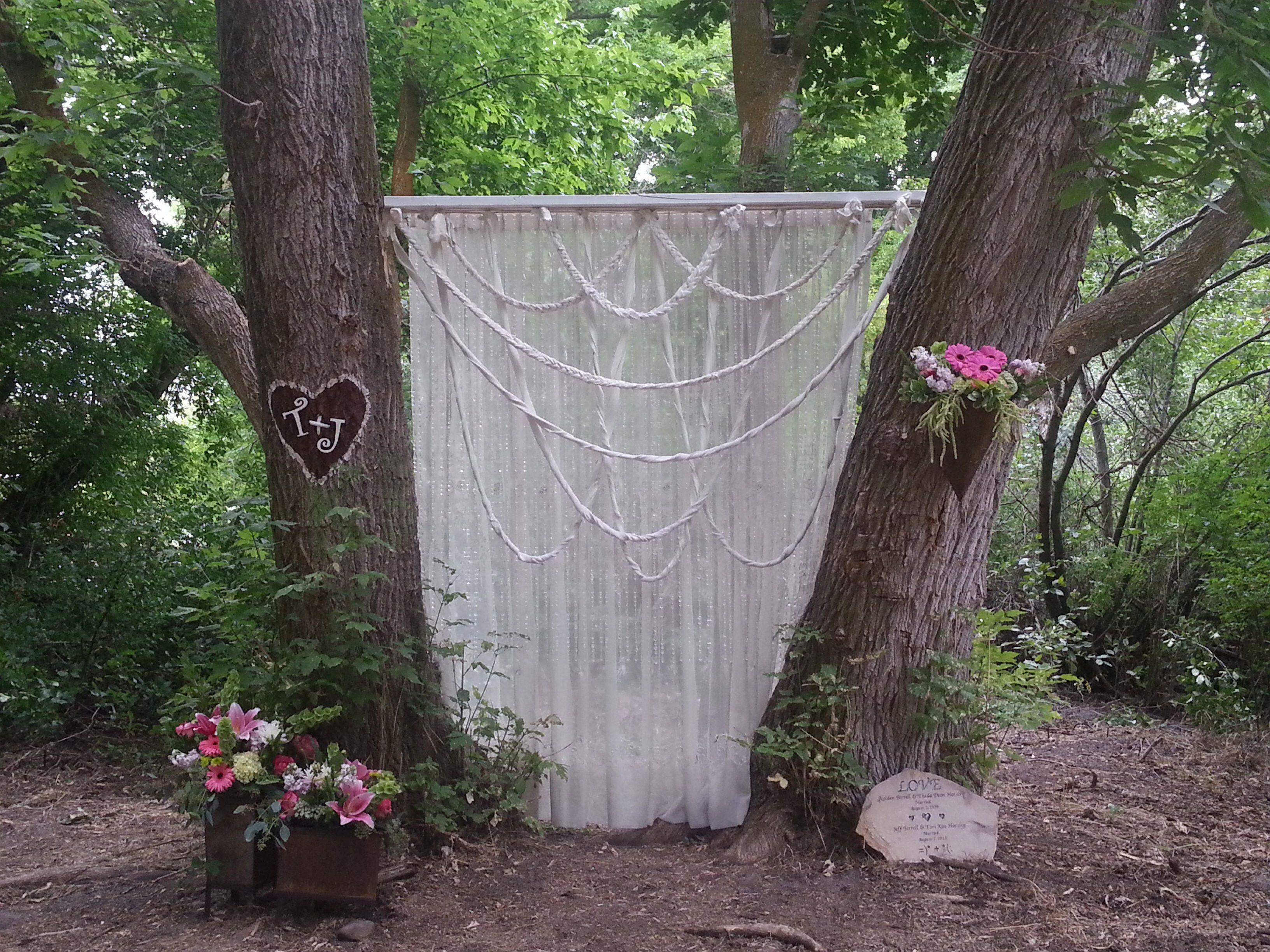 Outdoor wedding backdrop | My Crafty Creations | Pinterest