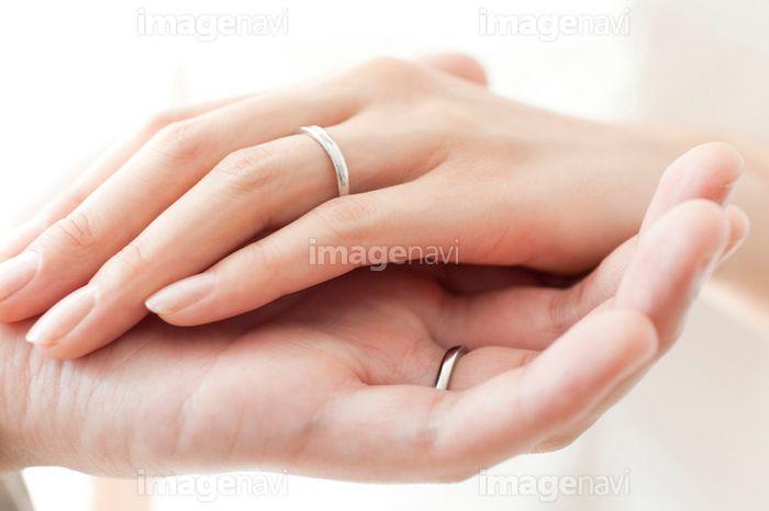 結婚指輪をした手 写真素材 結婚式 指輪 結婚式 写真 前撮り フォト