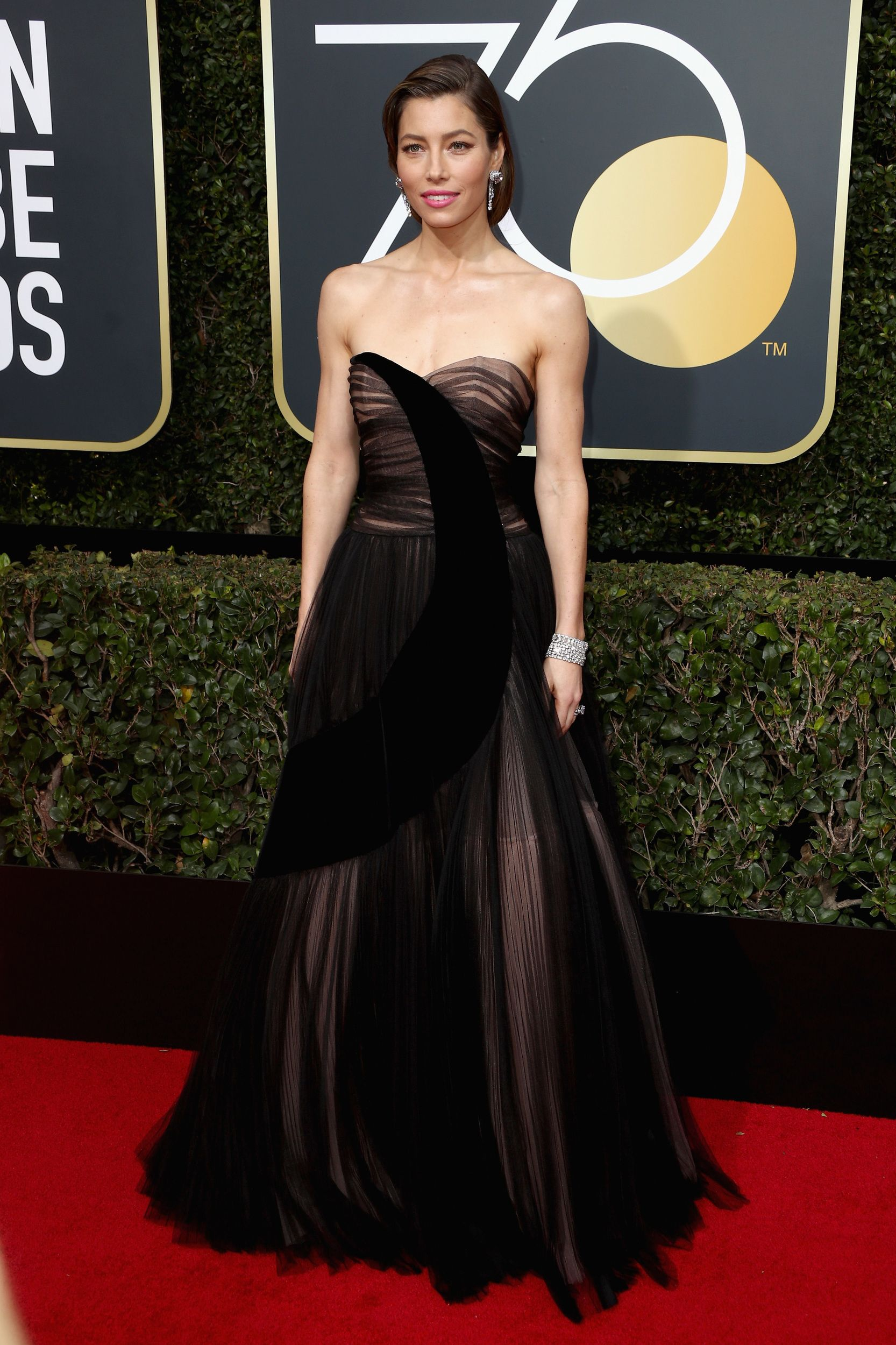 Here Are All Of The Red Carpet Looks From The 2018 Golden Globes Golden Globes Dresses Red Carpet Fashion Golden Globes Red Carpet