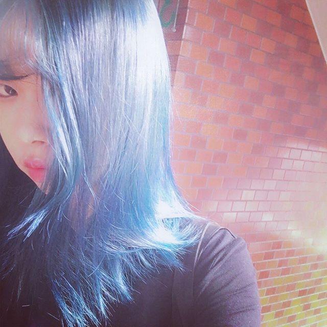 WEBSTA @ m_ryung - 満足満足😋#염색#ブルー#マニパニ#매닉패닉#블루#나름만족#히트다히트#셀스타그램