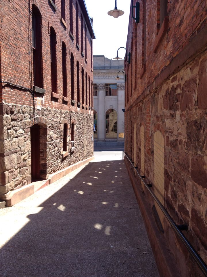 Marquette alley