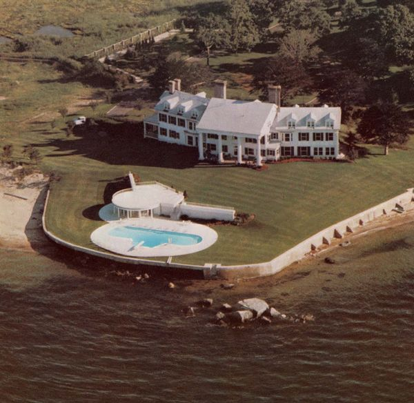 Lands End, Gatsby House, Mansions